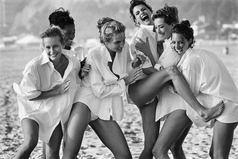 Estelle Lefébure, Karen Alexander, Rachel Williams, Linda Evangelista, Tatjana Patitz et Christy Turlington (1988)  Photo Courtesy of Peter Lindbergh, Paris